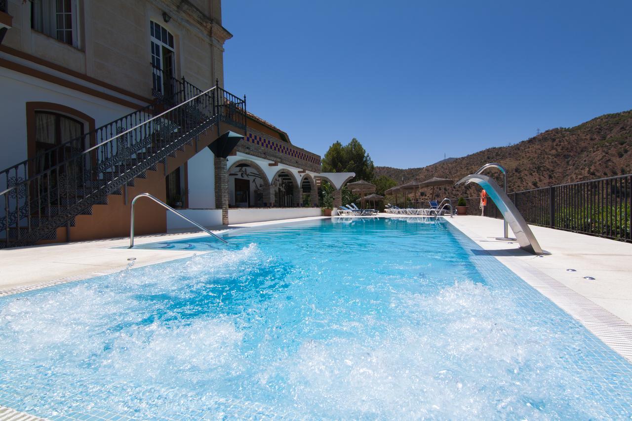 hotel met zwembad bij de Caminito del Rey