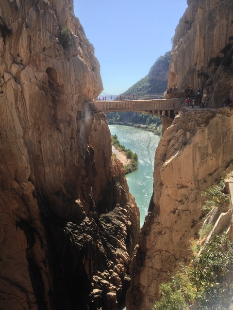 Caminito del Rey: even oversteken