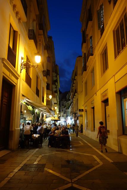 Malaga, een van de vele gezellige straatjes