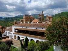 Zicht op de binnentuin van de Parador en het kloostervan Guadalupe