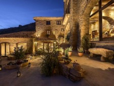 Bijzonder-fraai-en-verzorgd-hotel-in-het-oosten-van-Navarra