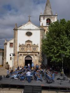 Obidos juli 2015 muziek voor de kerk
