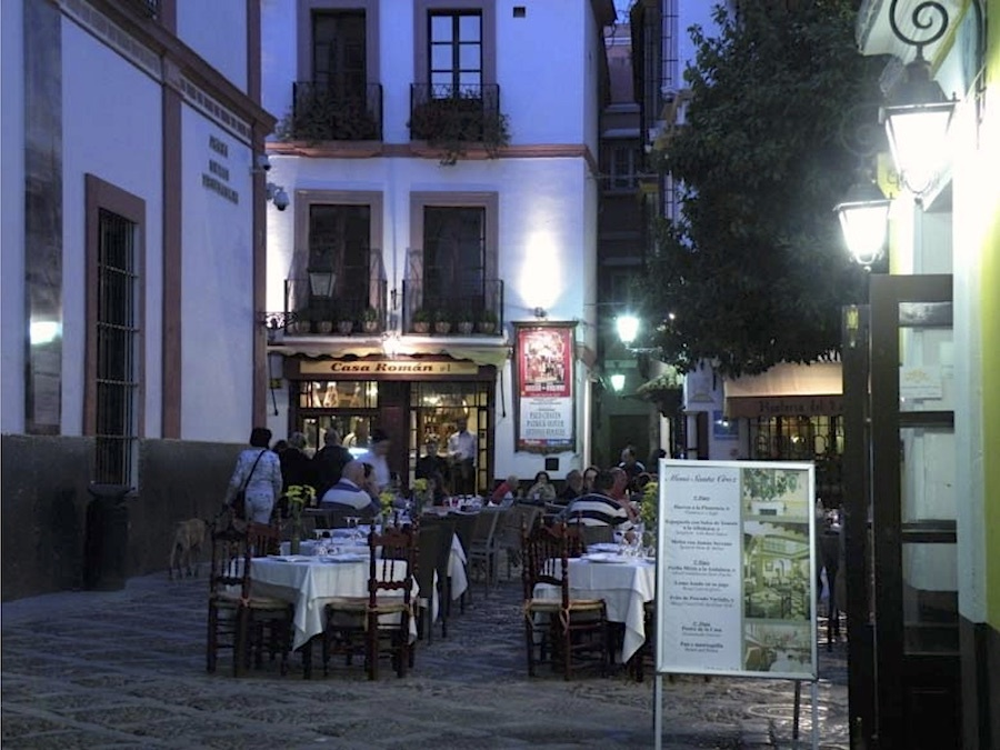 Pleintje bij de appartementen in Sevilla 2010