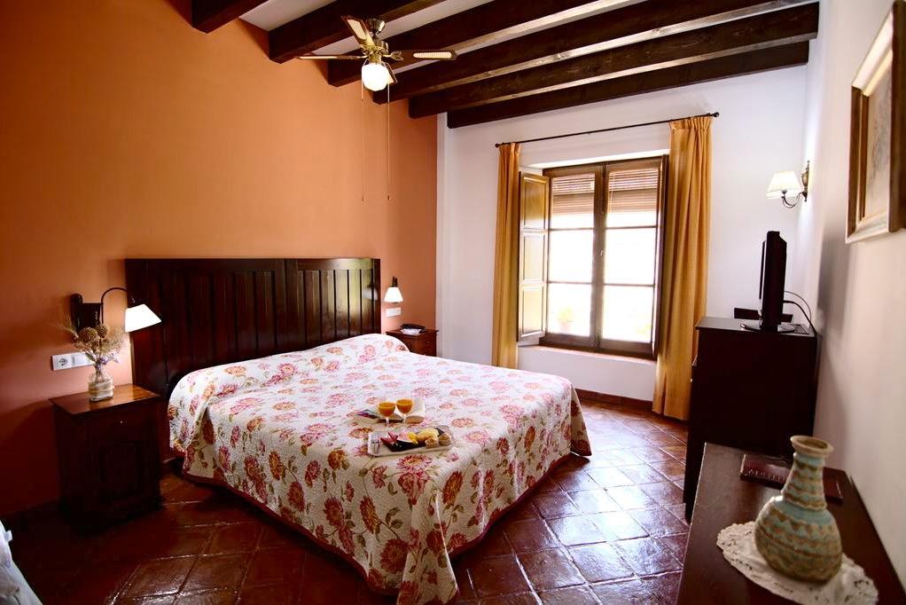 de kamers zijn klassiek en comfortabel ingericht
