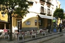 Terrasje in de straat