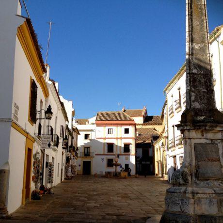 Plaza del Potro, vlak bij de rivier