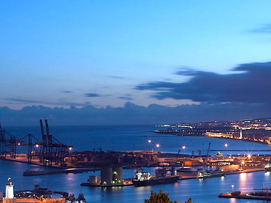 Uitzicht op de haven van Málaga