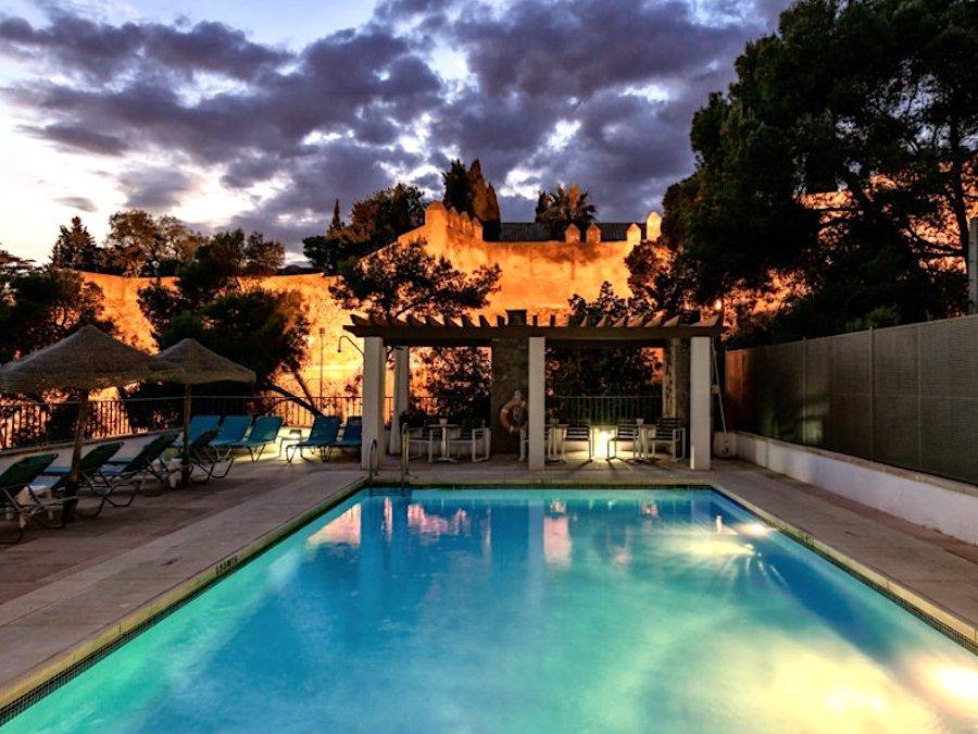 Zwembad met zicht op Alcazaba