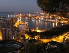 Malaga bij nacht