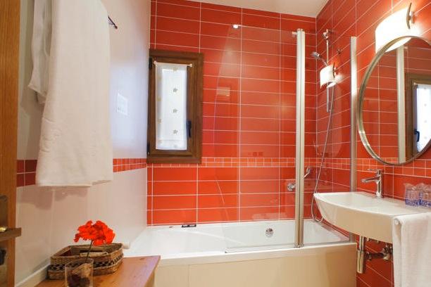 Badkamer met Hidromassage-douche