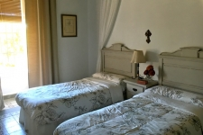 Slaapkamer met twin beds