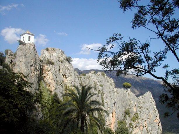 Het landschap in de Sierra de Bernia