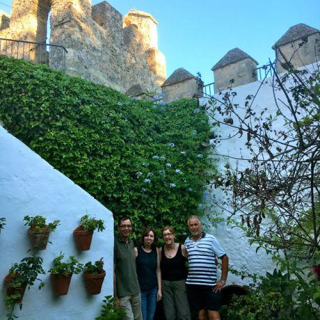 Met z'n vieren in Vejer, de patio van de Casa Mayorazgo