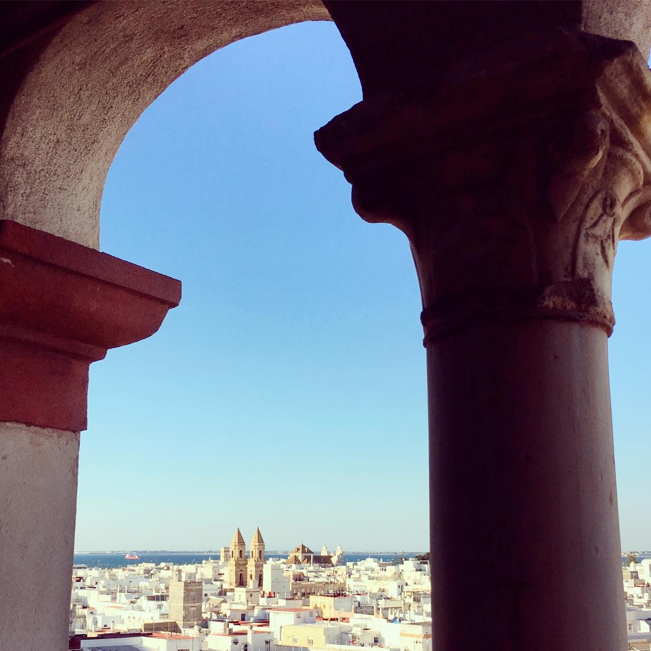 Zicht op Cádiz, halverwege de Torre Tavira