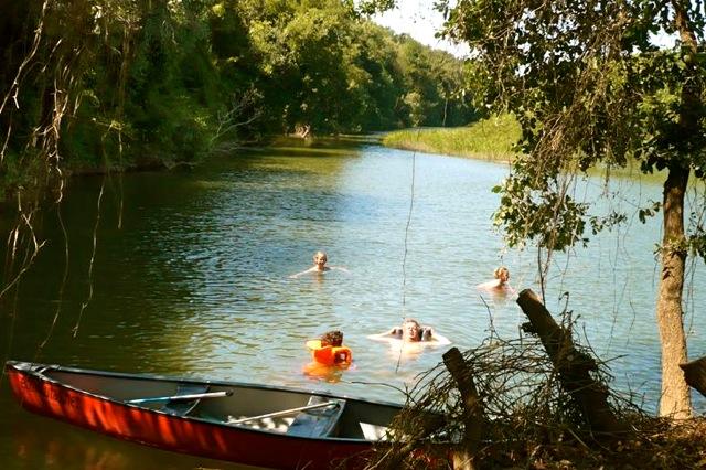 Zwemmen in de Mira rivier
