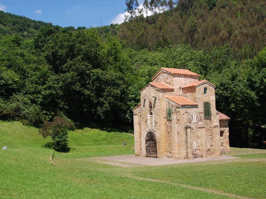 San Miguel de Lillo bij Oviedo