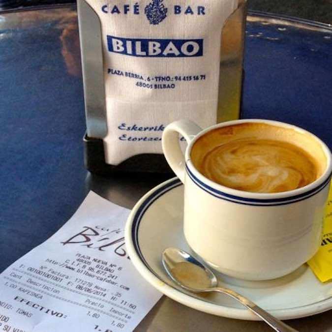 Cafe-Bilbao-Baskenland-Hemmingway-iruna-plein-plaza-pinxtos-koffie-rondreis