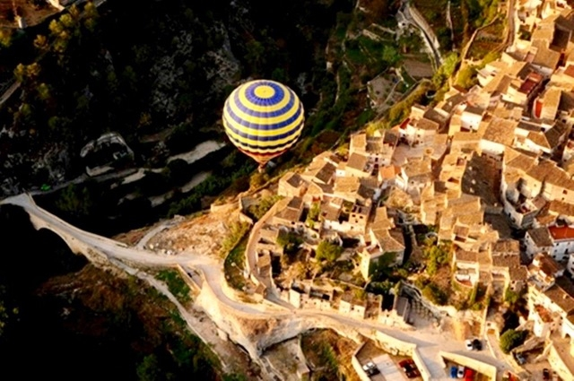 Ballonvaart boven Bocairent