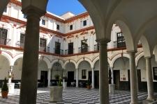 Hotel in 17e eeuws Klooster aan de kade van Cádiz