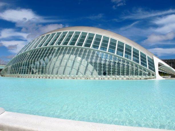 Valencia, Hemisferic, Ciudad de las Artes y la Ciencias - architect Santiago Calatrava
