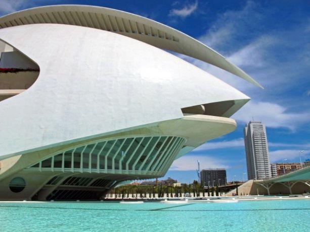 Valencia, Palau de les Arts Reina Sofia, Ciudad de las Artes y la Ciencias - architect Santiago Calatrava.