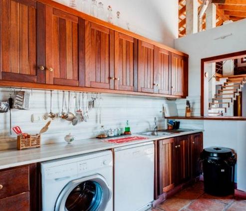 Ruime en zeer volledig ingerichte keuken