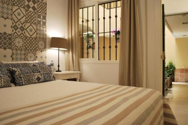 Slaapkamer aan de patio, rustig gelegen