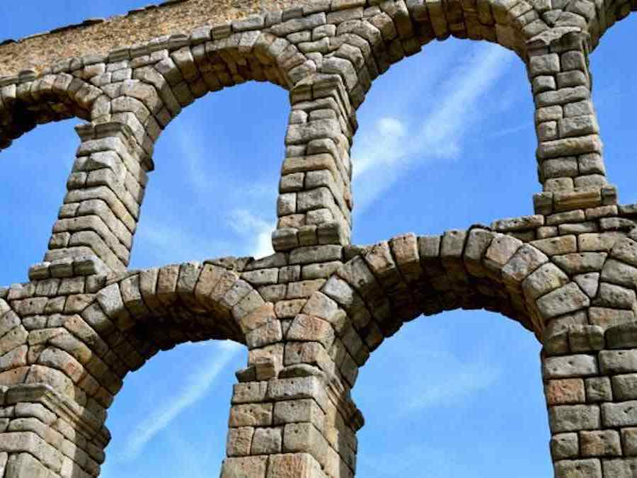 Het Aquaduct van Alvila