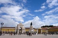 Lissabon, plein bij de rivier
