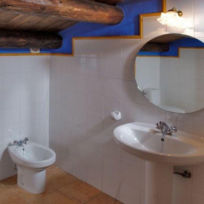 Een van de 6 badkamers