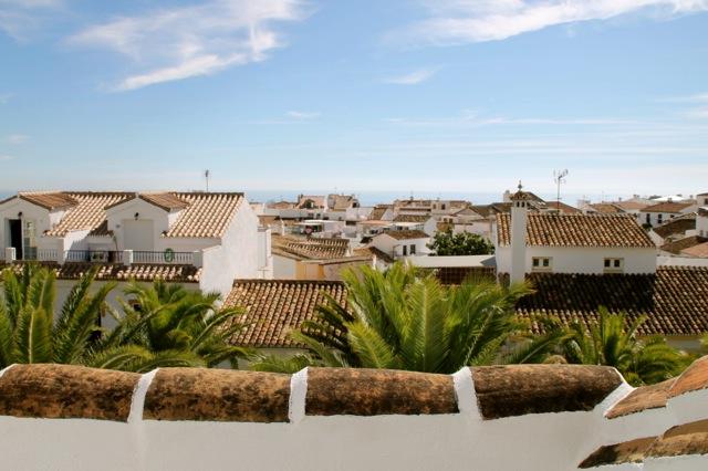 uitzicht over het dorp en de zee