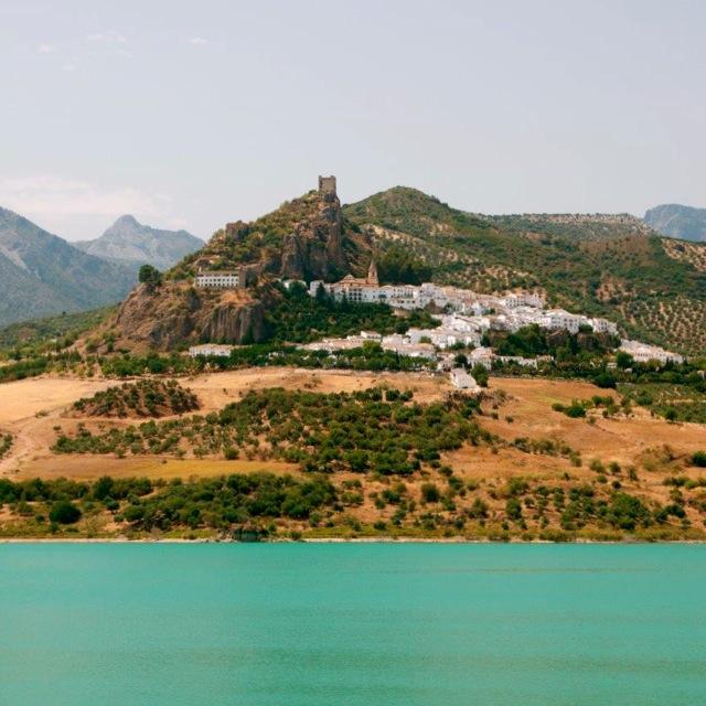 Zahara-Ronda-andalusie-rondreis-meer-water