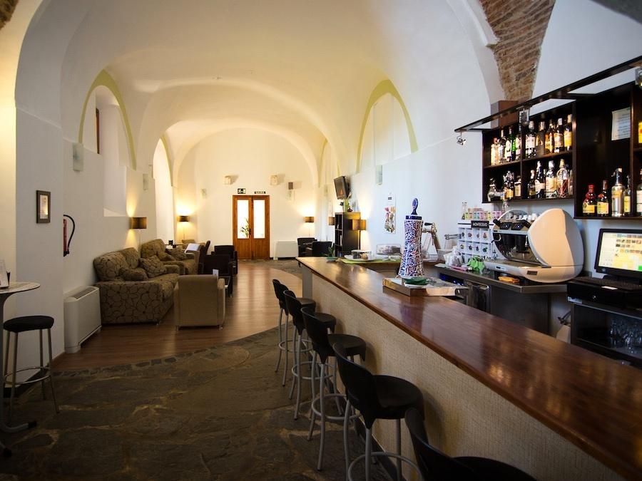 Bar - cafeteria
