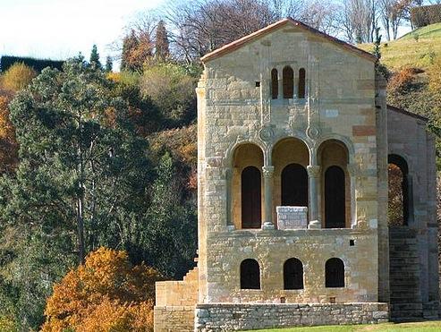 Romaans kerkje bij Oviedo, Asturias