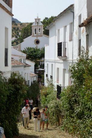 Versiering van het dorp el Gastor tijdens Corpus Christi